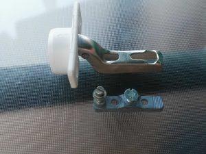bisagra cazoleta 25mm curva plastico